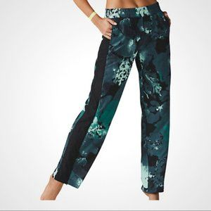 Fabletics Annalies Green Floral Wide-Leg Jogger Pants  Size Extra Small